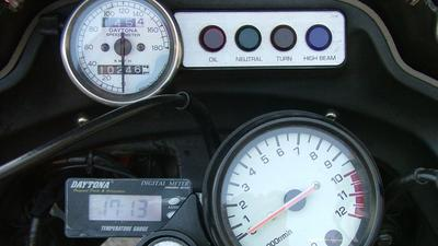 http://www.live-247.com/103/imagez/2006_1203_D-thumb.jpg