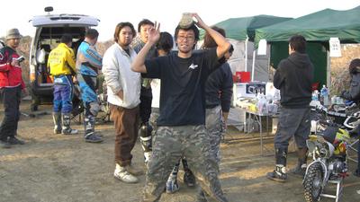 http://www.live-247.com/103/imagez/2006_1223_1C-thumb.jpg